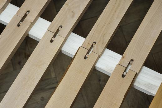 detail postele wood 03