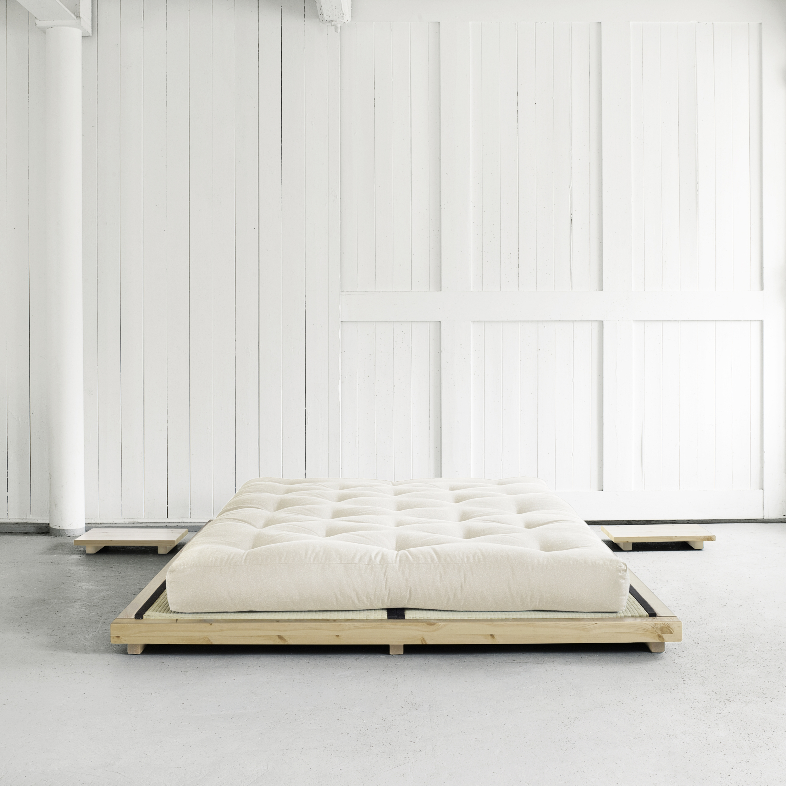dock bed natural