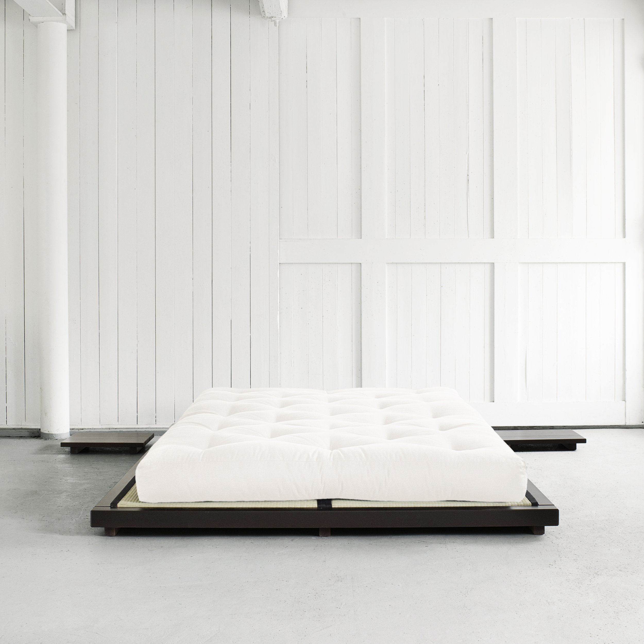 dock bed black